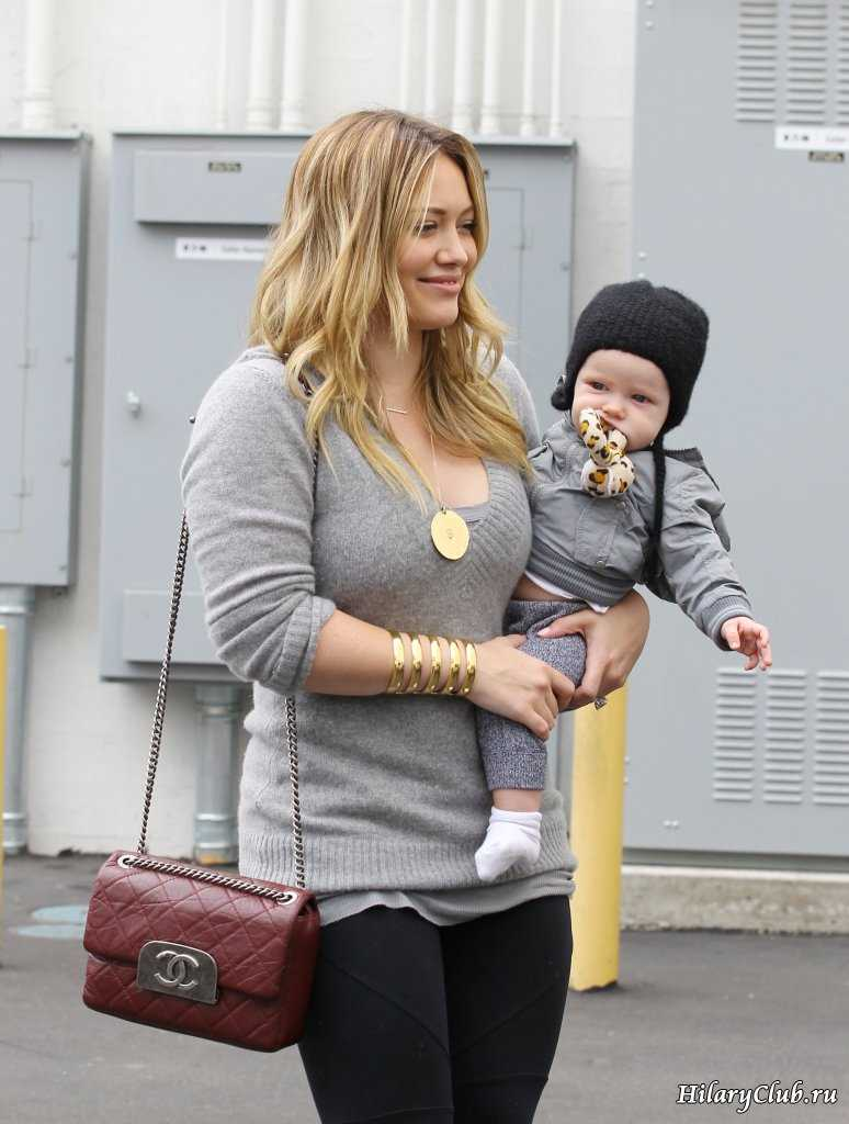 Baby pictures of hilary duff Animate Curtains Opening with jQuery Build Internet